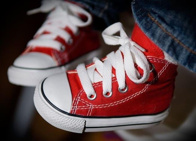 Converse-neonato