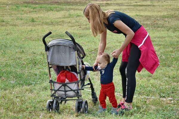 Quando-un-bambino-dovrebbe-iniziare-a-camminare