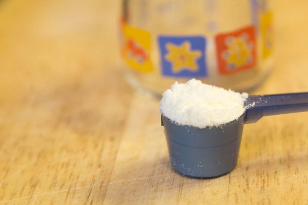 Si-possono-alternare-due-tipi-di-latte-artificiale
